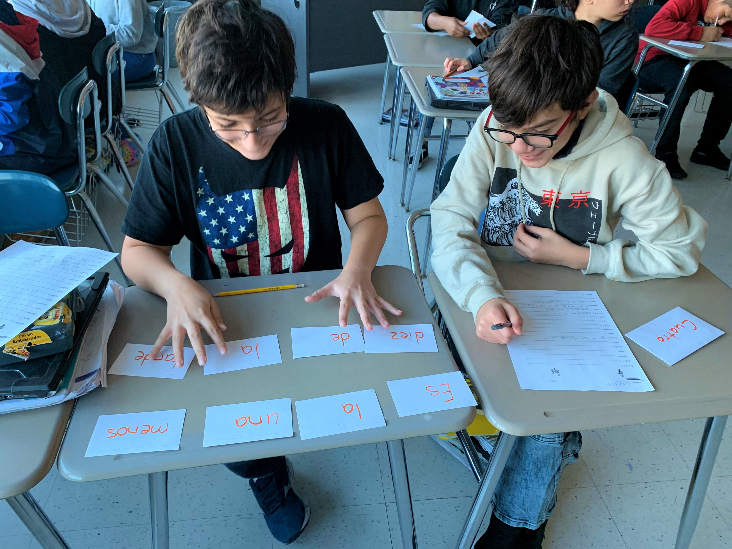 Students arranging vocabulary flash cards